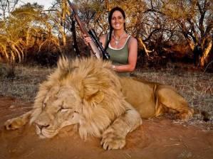 Melissa-Bachman_dead-lion